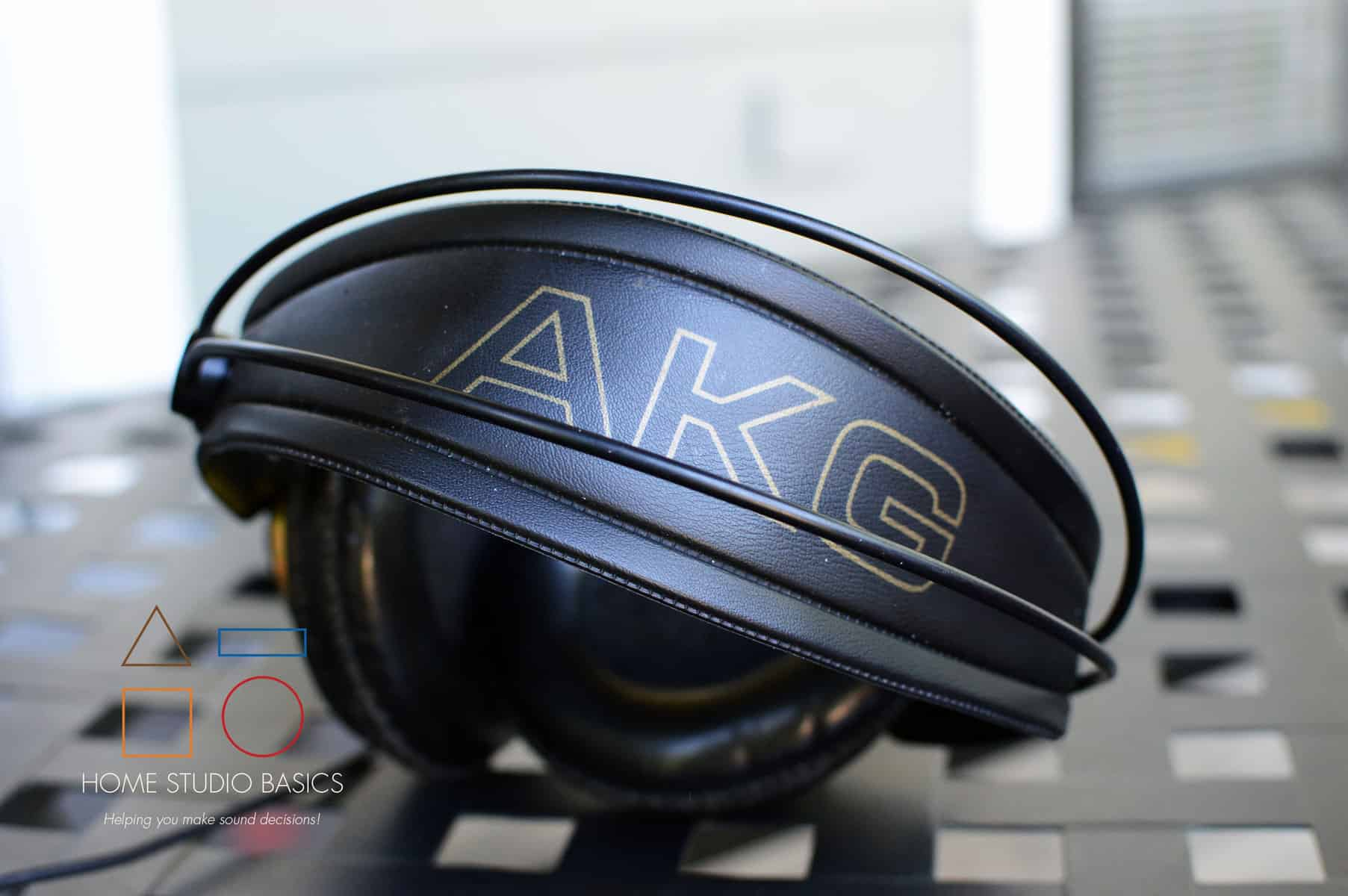 AKG K240 vs. Samson SR850